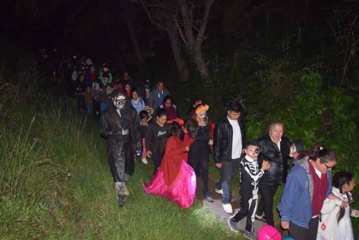 Badillo Jaramillo encabezo 2do desfile Macabro en el Día de Muertos