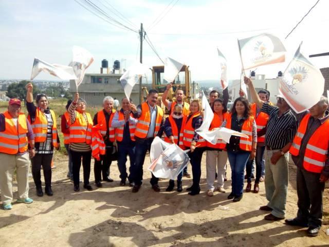 Alcalde inicia trabajos de pavimentación de 4 calles con una meta de 8,744 M2