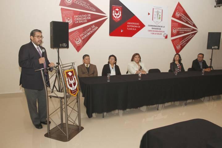 Brinda UAT taller de seguimiento de egresados