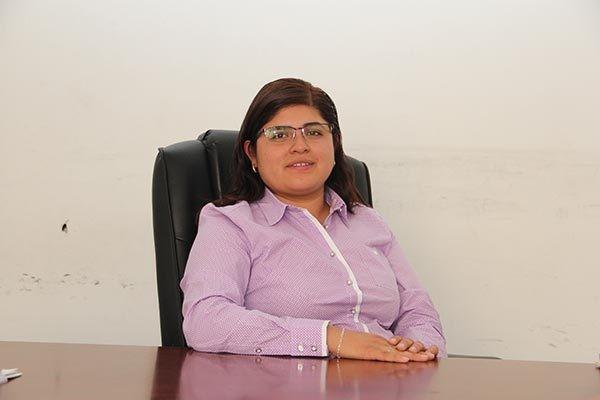 Consiente Orea a aviadora y hoy es Secretaria en Zacatelco