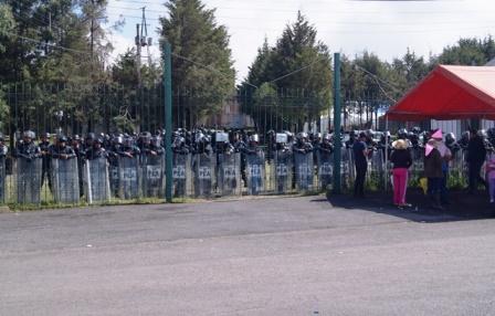 Policías intimidan y frenan a Lorenistas en el ITE