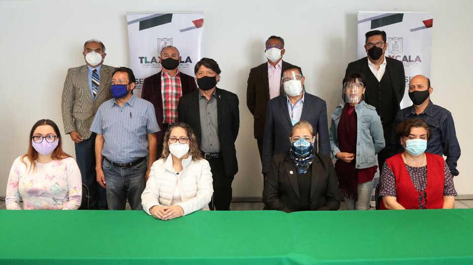 Florentino busca ganarse los votos de los maestros de Tlaxcala
