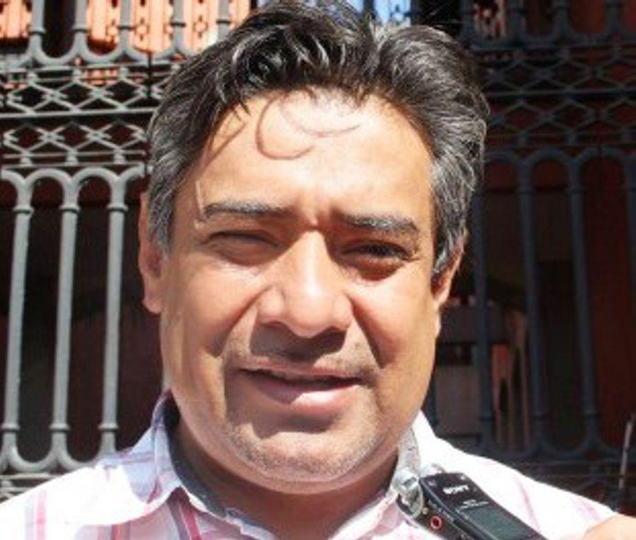 Achichincle quiere a su achichincle en la parlamentaria del Congreso