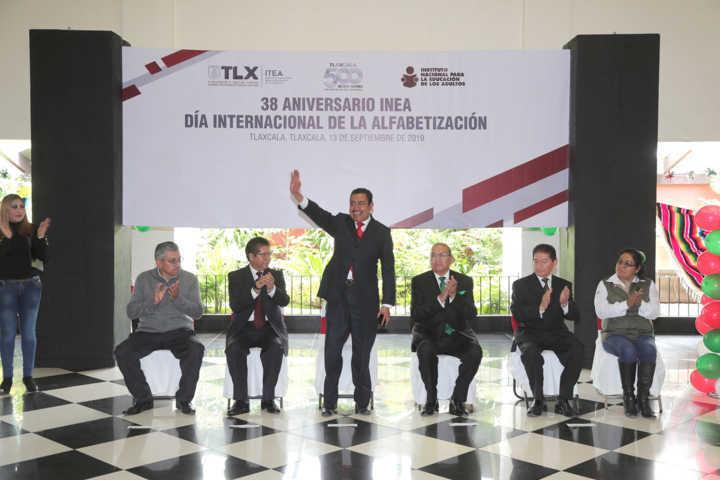Reconoce Secretario de Educación trayectoria de trabajadores de ITEA