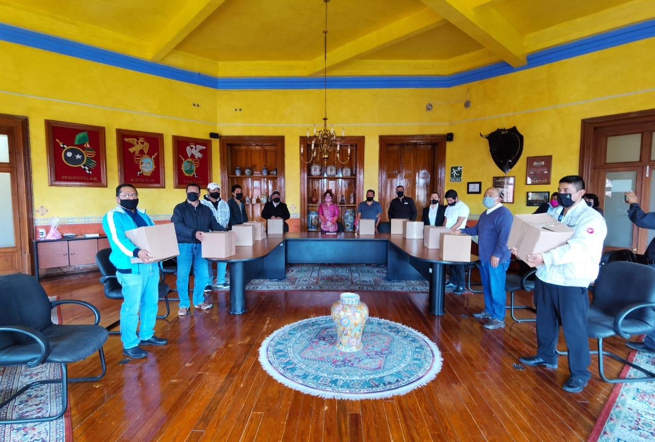 Secture entrega 500 despensas donadas por fundación Banorte a prestadores de servicios turísticos