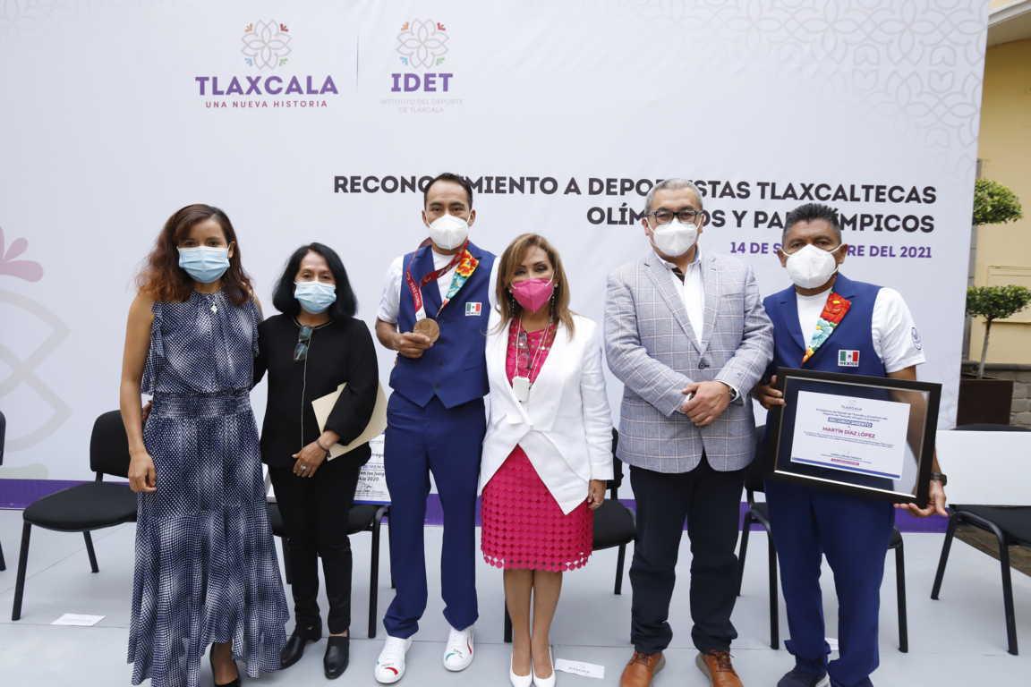 Entrega Lorena Cuéllar reconocimientos a atletas olímpicos y paralímpicos tlaxcaltecas