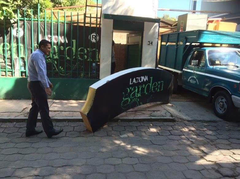 """Desalojan bar """"La Zona Garden"""" por no pagar la renta"""