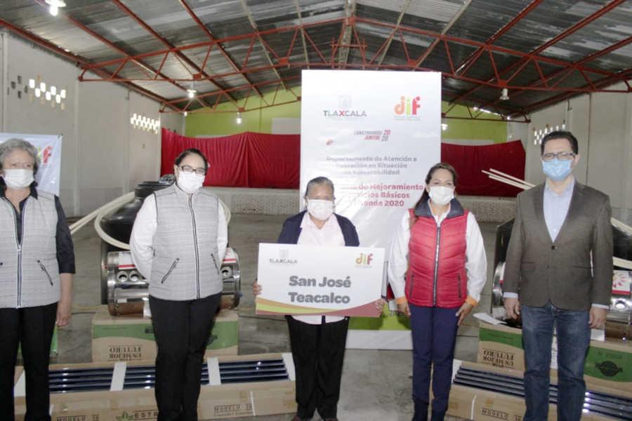 Entrega SEDIF paquetes hidráulicos en beneficio de 180 familias de 9 municipios
