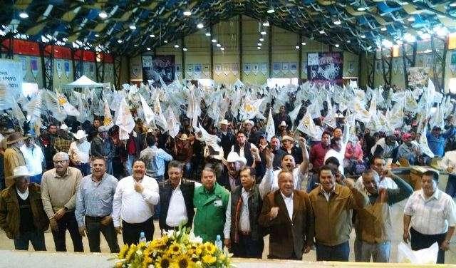 CODUC entrega apoyos a mil 700 familias de 42 municipios