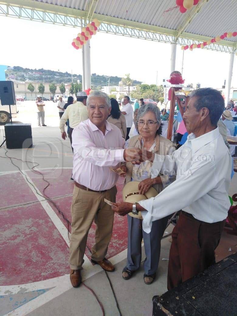 Hablar de los abuelitos es hablar del desarrollo de Teacalco: alcalde