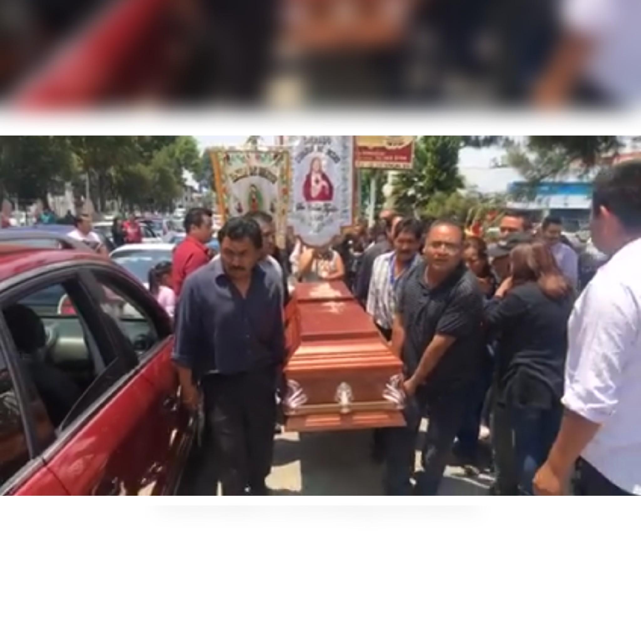 Taxistas exigen justicia al Gobernador Marco Mena Rodríguez