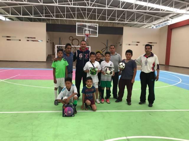 Ayuntamiento fomenta el deporte entre niños y jóvenes con torneo de futbol