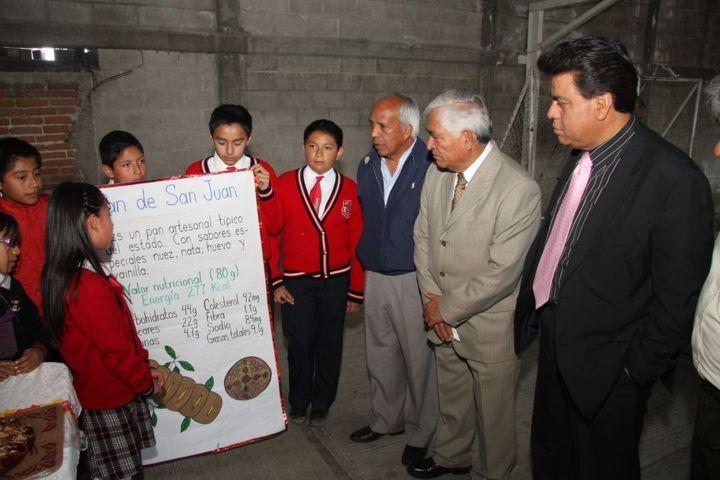 Reconoce alcalde de Totolac importancia de intercambios escolares