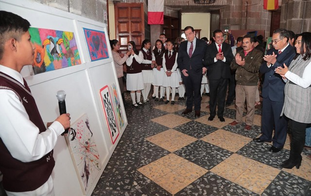 Inauguran exposición pictórica de alumnos de Huamantla