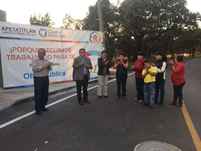 Valentín Gutiérrez continúa entregando obras en Apetatitlán