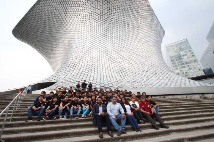 Enriquecen estudiantes de Arquitectura de la UATx sus conocimientos