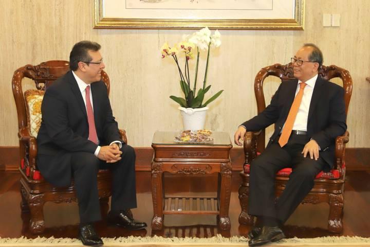 Se reúne Gobernador Marco Mena y Embajador de China en México