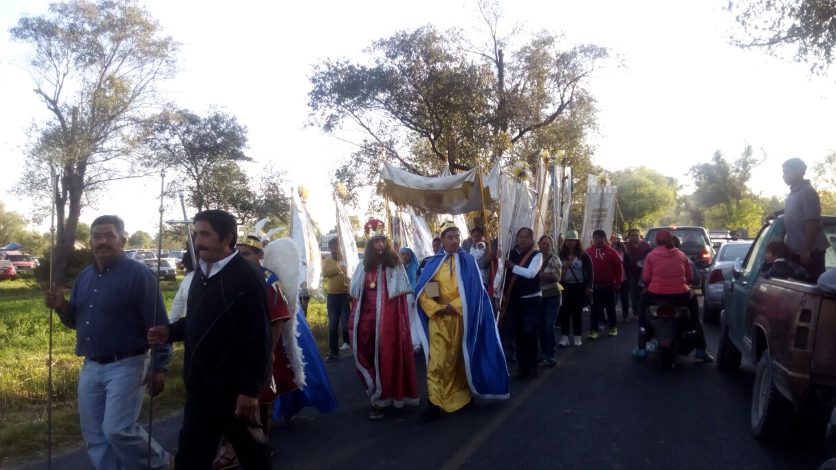 Viven tradición religiosa de los Reyes Magos en Tetlatlahuca