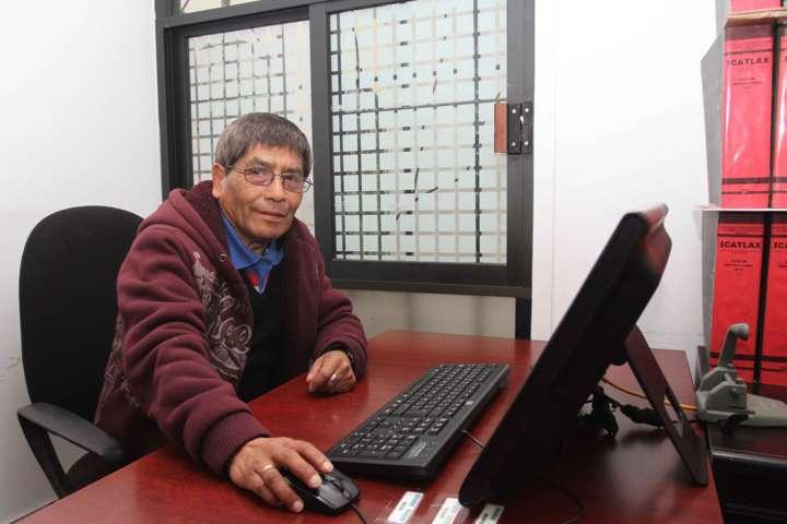 Respalda Marco Mena a buscadores de empleo de la tercera edad y con discapacidad