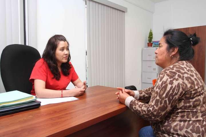 Ofrecen servicios de terapias físicas de especialidad a través del DIF