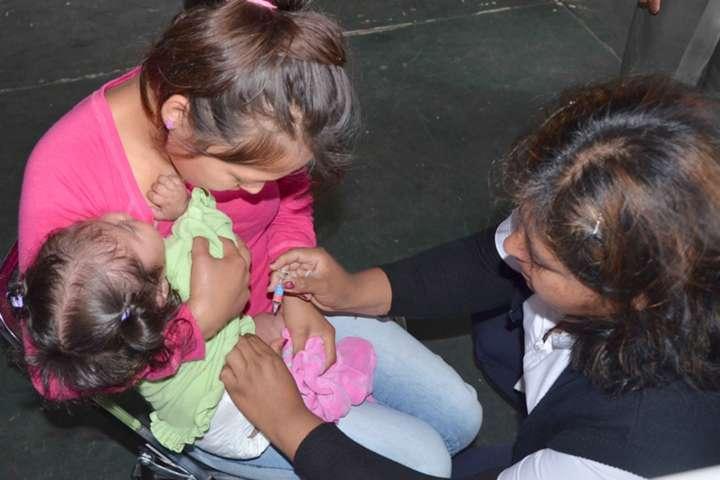 Recomienda SESA aplicación de vacunas en infantes para prevenir infecciones