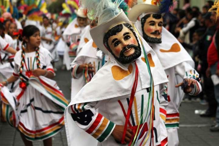 Presenta Gobierno del Estado convocatoria para entrega de apoyos del Carnaval Tlaxcala 2017