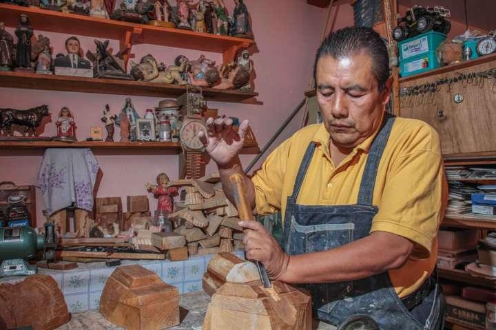 Máscaras de Carnaval, artesanías que identifican a tlaxcaltecas