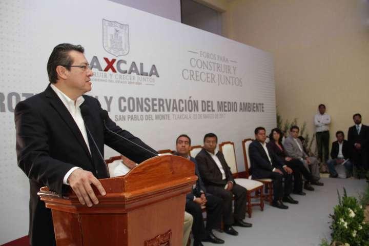 Conciliar desarrollo económico con protección ambiental: Mena