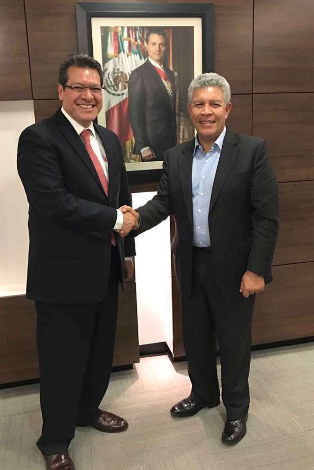 Más créditos para vivienda gestiona Marco Mena ante Infonavit