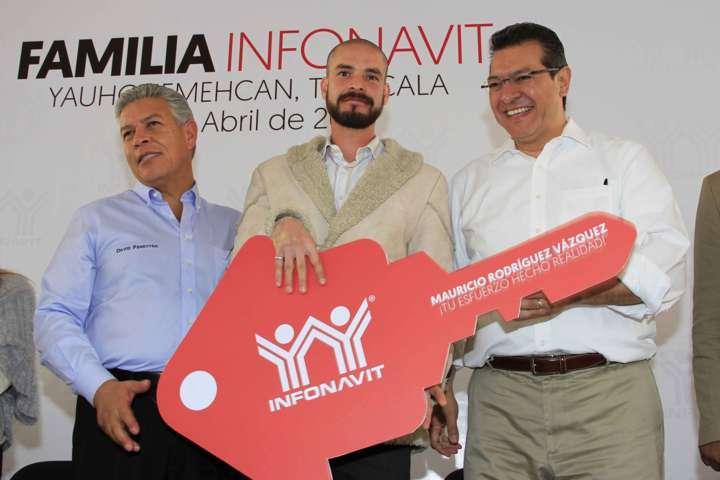 Anuncian Marco Mena y David Penchyna ampliación de 2 mil 500 créditos para vivienda