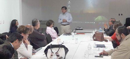Tras cuatro meses se reúne Jongitud con directores de hospitales
