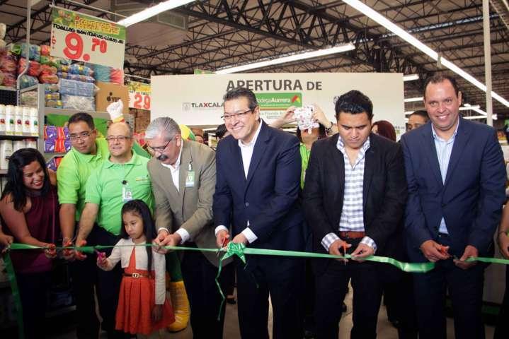 Inaugura Marco Mena nueva bodega Aurrerá en Apizaco