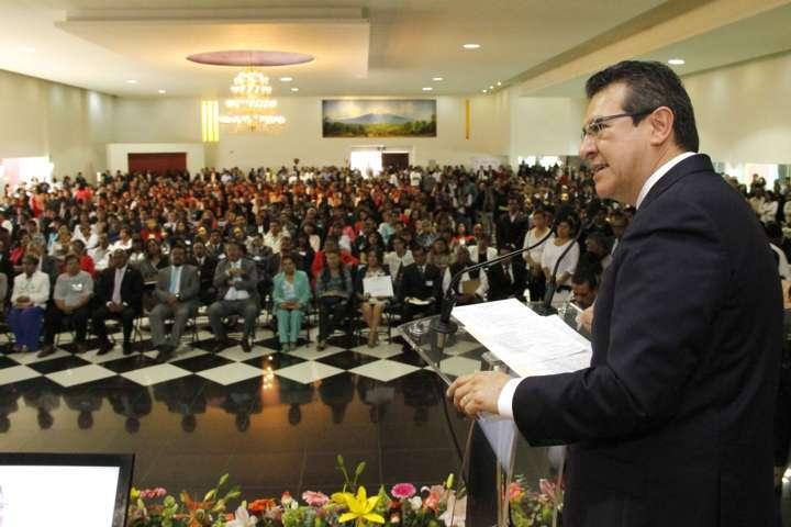 Tlaxcala revalorizará trabajo de los maestros: Marco Mena