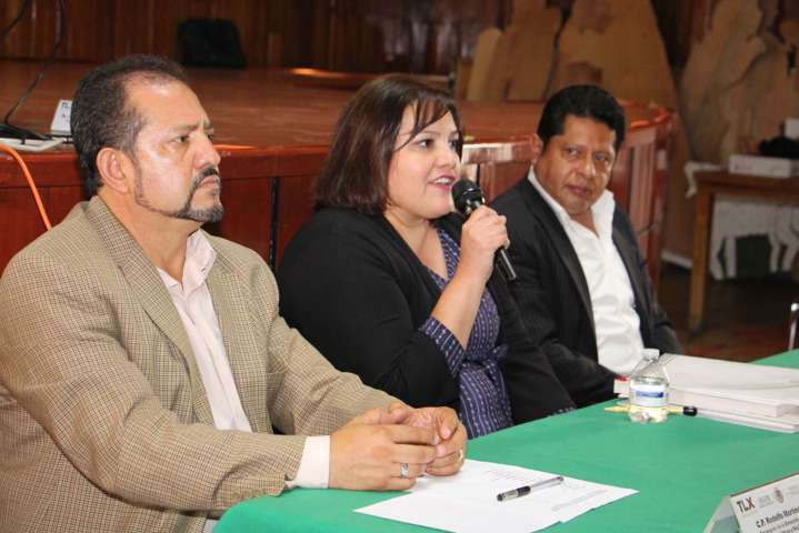 Capacitan Segob e Inafed a funcionarios de 18 municipios