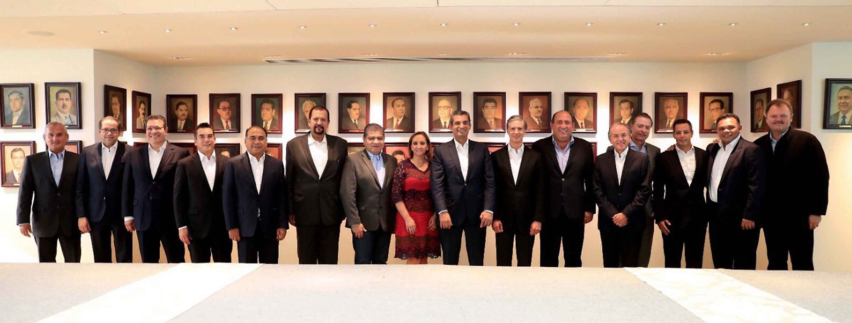 El Gobernador de Tlaxcala se reune con líder nacional del PRI