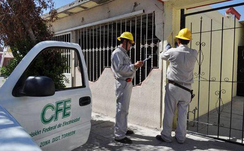 Atracan a personal de la CFE durante el cobro en Apetatitlán