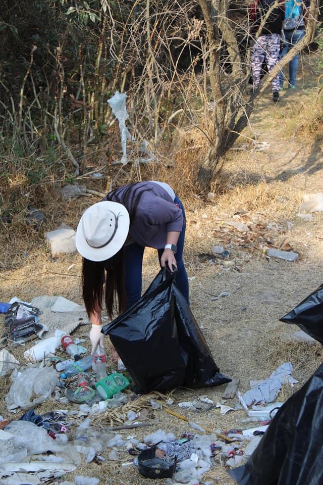 Realizan recolección de basura en barrancas de Tzompantepec