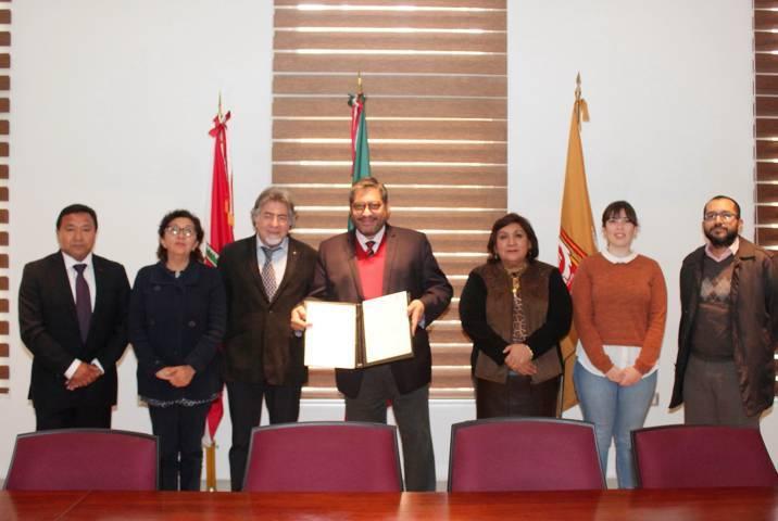 Acuerdan colaboración conjunta la UATx y la UAB de España