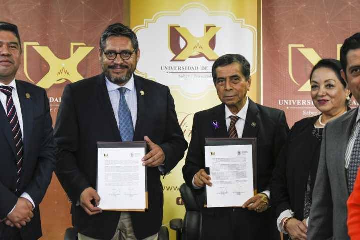 Signa convenio la UATx con la Universidad de Xalapa