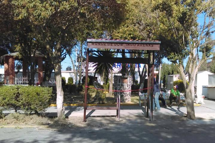Construye Secoduvi paraderos para personas con discapacidad en los 60 municipios