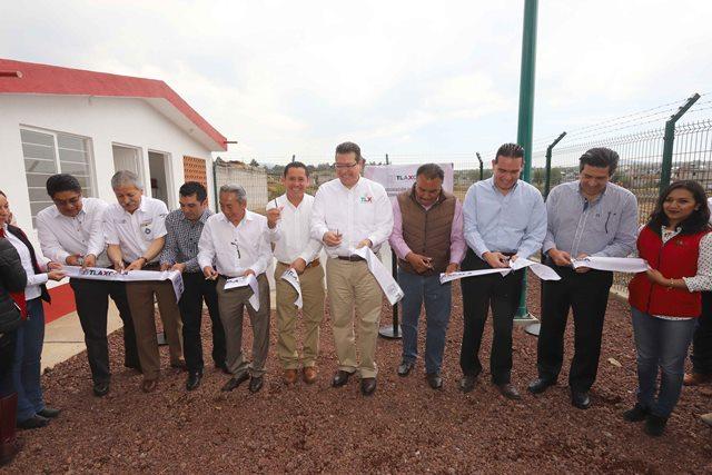 Inaugura Marco Mena pozo de agua en Nanacamilpa