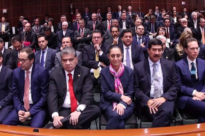 Asiste Marco Mena a toma de protesta de AMLO como presidente de México