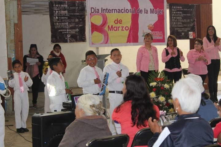 El SMDIF de Ixtacuixtla celebro el Día Internacional de la Mujer