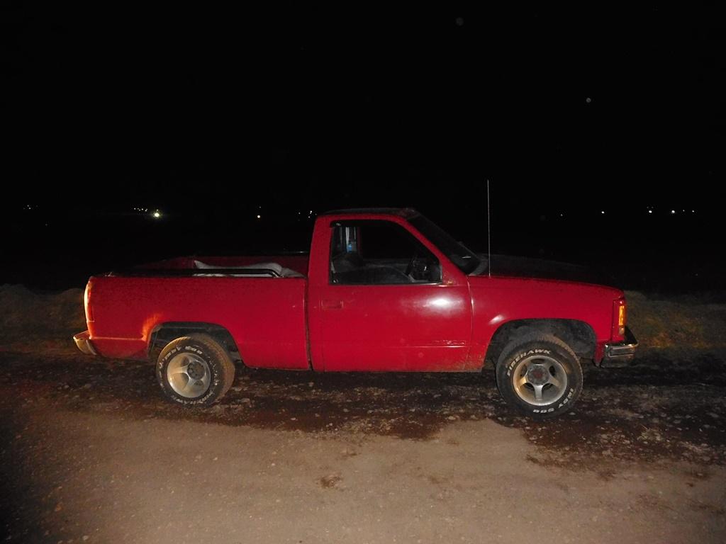 Asegura Policía Estatal dos camionetas con mercancía robada