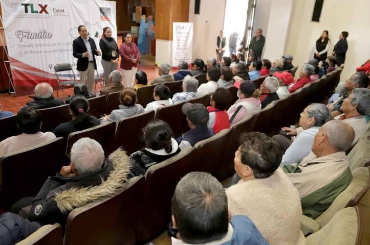 Impartió DAM plática de orientación a familiares de migrantes