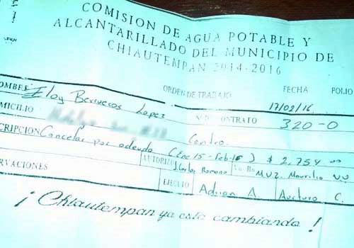 Eloy Berruecos busca ser alcalde y no tiene para pagar agua potable