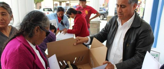 Desarrollo Social y Sefoa entregan apoyo a familias de San Pablo del Monte