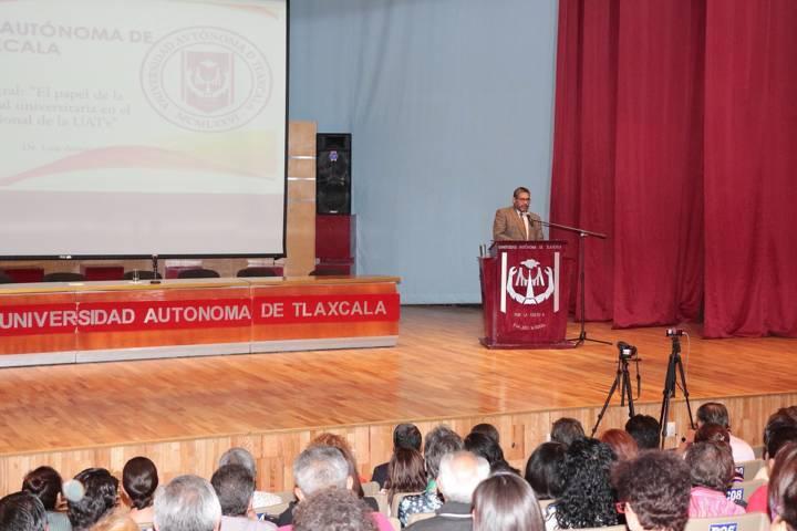 Clausuró Rector de la UATx Diplomado en Responsabilidad Universitaria