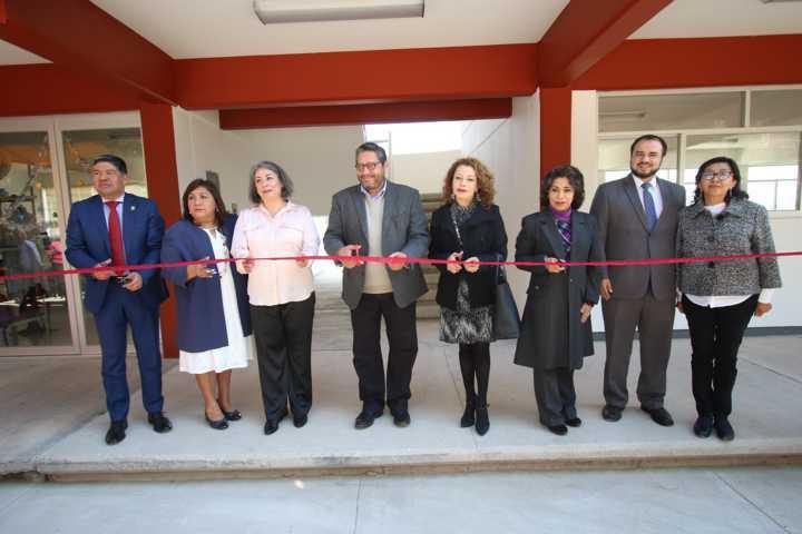 Inaugura Rector de la UATx infraestructura para la investigación científica