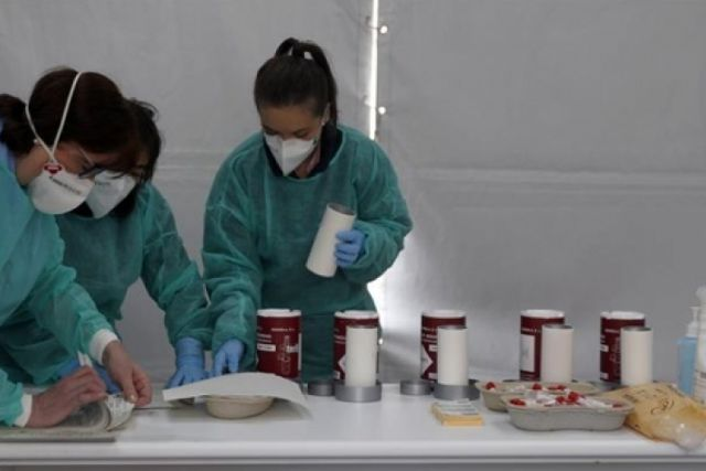 Hospitales italianos utilizan sangre de pacientes curados para tratar a gente grave